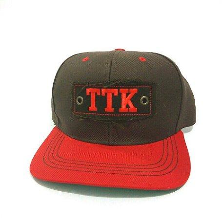 Boné TTK Marrom Aba Vermelha - Vitrine do Cowboy - A Loja Country ao ... a433280f51f