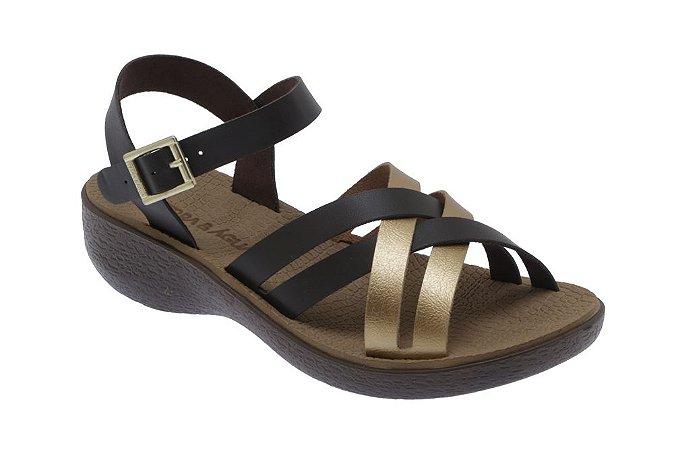 Sandália com Fivela Comfort Terra e Água de Tiras Café e Dourado
