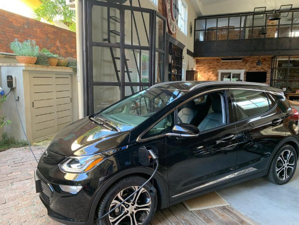 Chevrolet Bolt Elétrico - SemiNovo - 4000km rodado