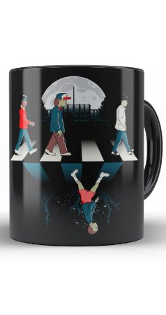 Caneca Stranger Things The Beatles