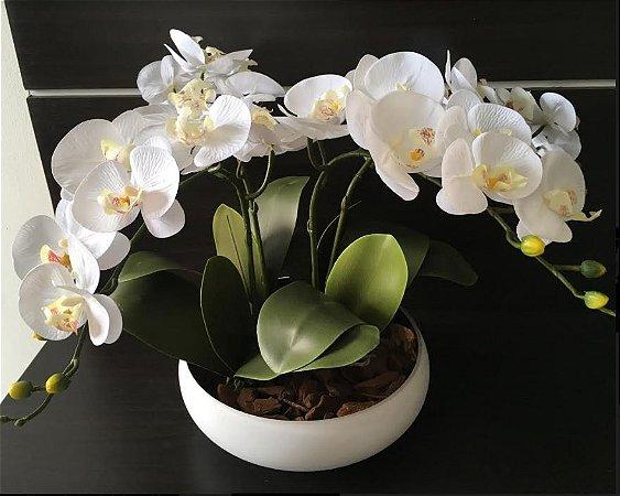 Arranjo de 4 Orquídeas artificiais brancas em vaso de Cerâmica