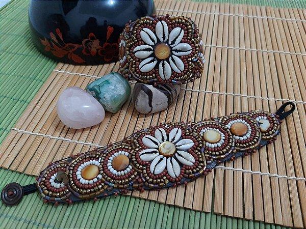 Bracelete flor de búzios e olho-de-tigre 201