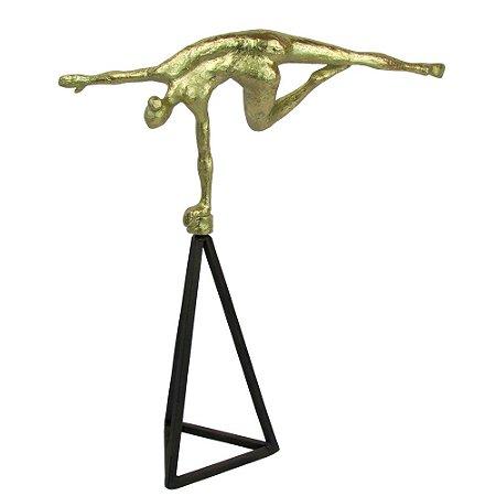 Escultura Ginasta Dourada Em Base Triangular