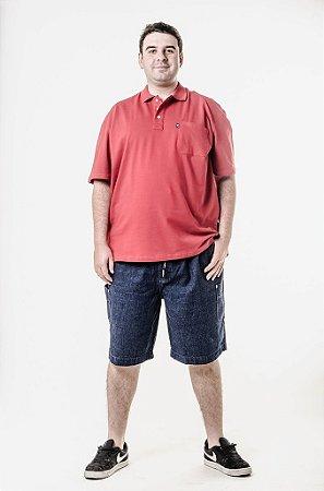 Bermuda jeans e camiseta polo