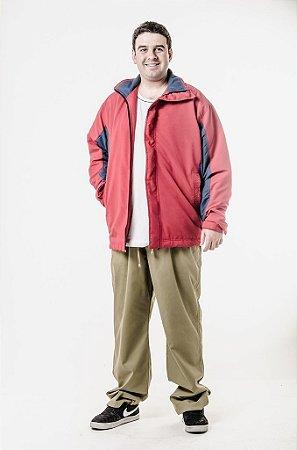 Calça e blusão esportivos