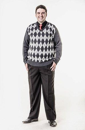 Calça social e blusa xadrez escocês