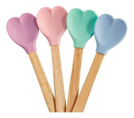 Jogo 4 colheres silicone coração cabo madeira cores variadas
