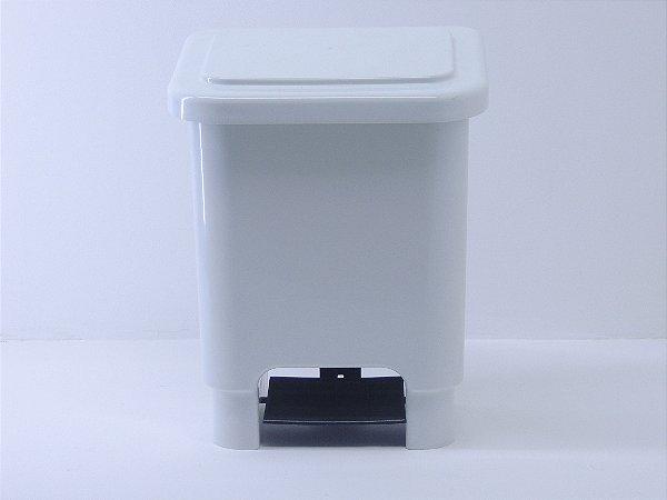 Lixeira retangular com pedal 15 litros - Branca. [Polipropileno]