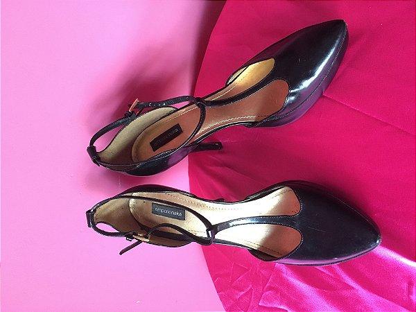sapato preto brechó - tamanho 38