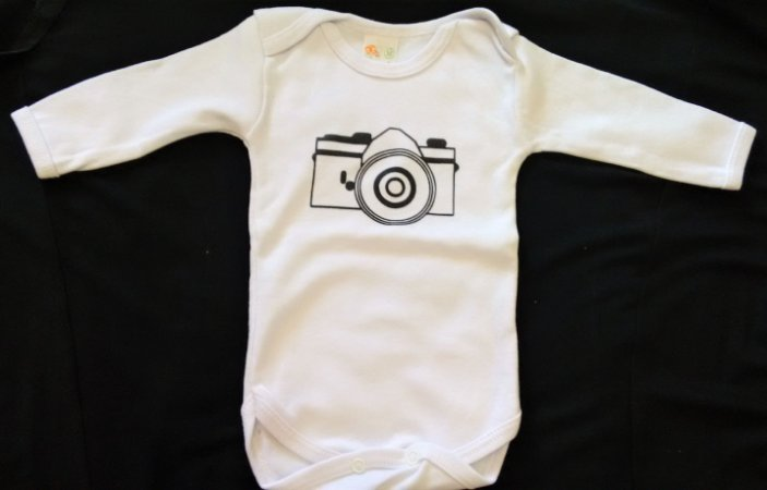 Body branco M manga longa estampa máquina fotográfica