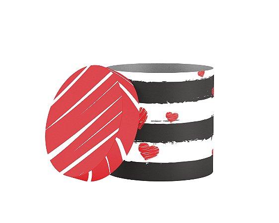 caixa redonda estampada vermelha e preta com coração
