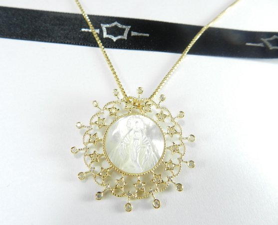 Nossa Senhora em Ouro 18K e Diamantes.