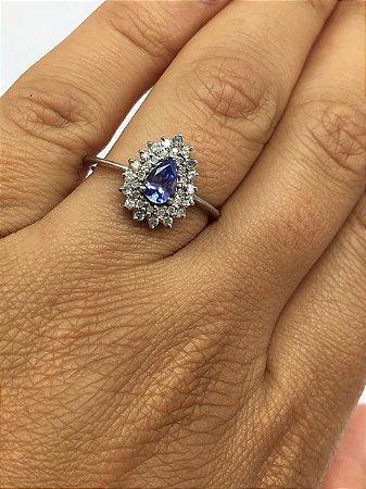 Anel de Tanzanita e Diamantes