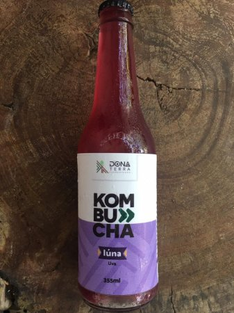 Kombucha – sabor uva 275ml é uma bebida probiótica de origem milenar a base de chás e fermentada naturalmente. É refrescante, levemente gaseificada e de baixa caloria.