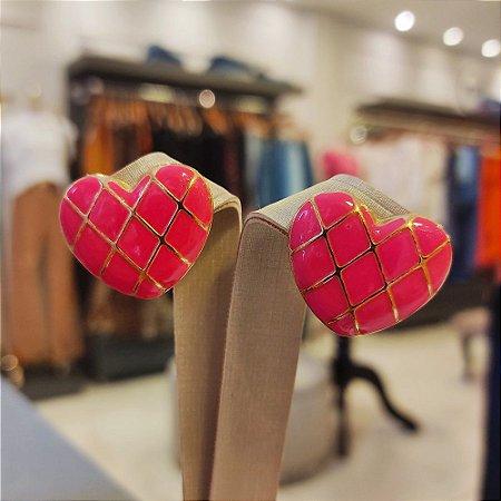 Brinco Dourado Coração Esmaltado Pink