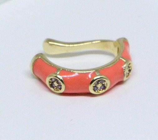 Piercing fake de resina coral e zircônias roxas banhado a ouro