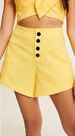 Shorts Amarelo com Botões