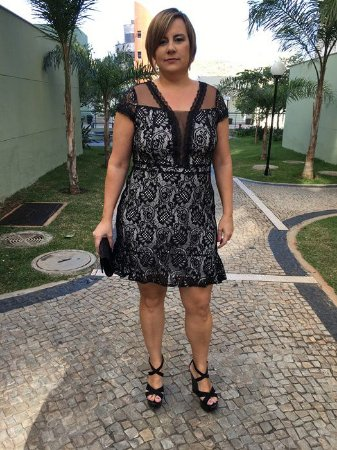 Vestido Renda com Babado Plus Size