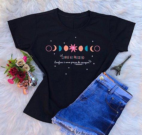T-shirt Confie no processo