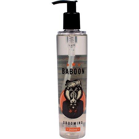 Grooming Baboon