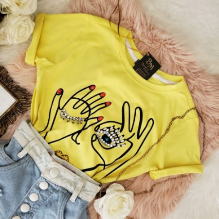 T-shirt Luxo Mão Olho Amarela