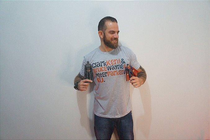 Camiseta Super Heróis - ADULTO