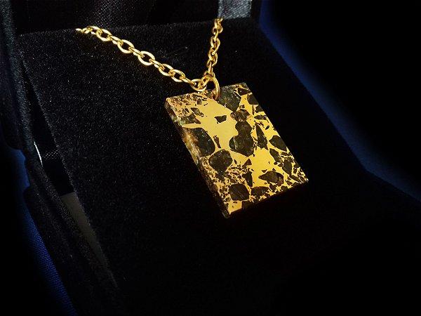 Colar de Meteorito Banhado a Ouro 24k