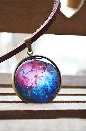 Colar Couro Nebulosa Trífida