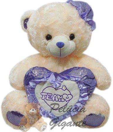 Urso Gigante com Coração e Chapéu Lilás