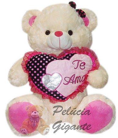 Urso Apaixonado com um Lindo Coração nº1