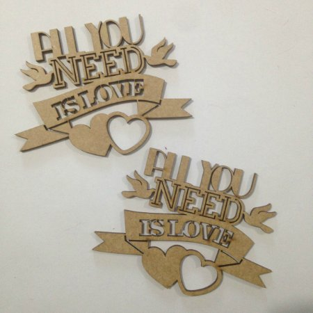 Apliques em MDF All you need is love - Arte Fácil
