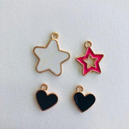 04 pingentes em metal dourado- estrelas e corações