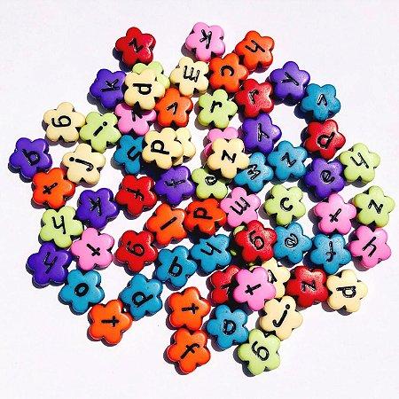 Kit miçanga formato flor letras - 20 gramas