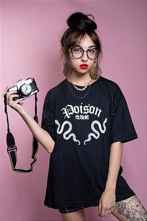 Camiseta Poison (preto)