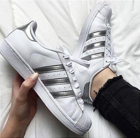Tênis Adidas Listras Cinzas Superstar Foundation - Inspired