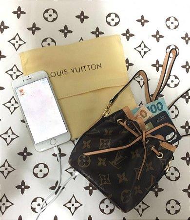 Bolsa Clutch Carregador Portátil - Louis Vuitton Inspired