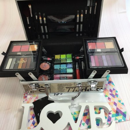 Maleta com Kit de Maquiagem Completo Sombras 3D Jasmyne