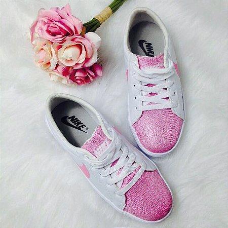 Tênis Com Ponteira Rosa