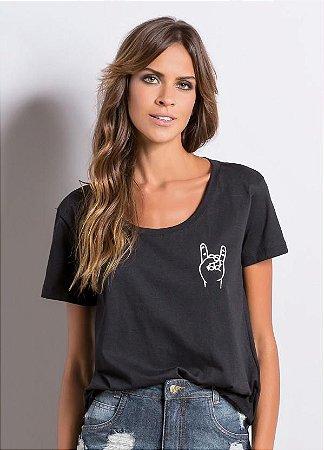 T-Shirt Quintess Preta Estampa Lettering