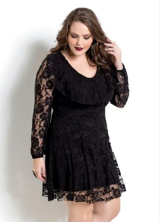 Vestido de Renda Preto Quintess Plus Size