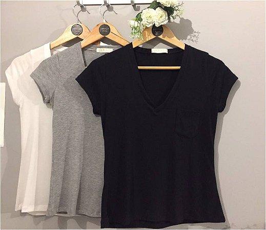 T-shirt Basic com Bolso