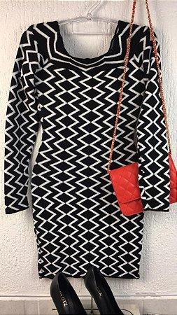 Vestido Curto Tricot P/B