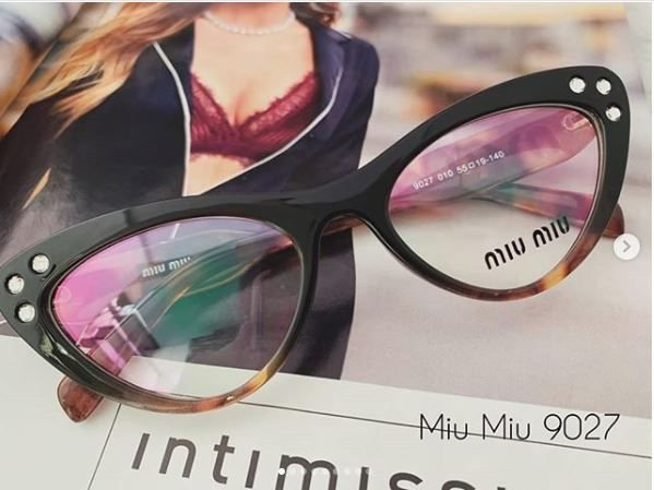 Óculos Miu Miu Cat Eye 9027