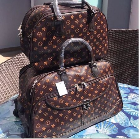 Conjunto com 2 malas LV
