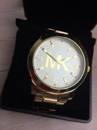 MK dourado Letras