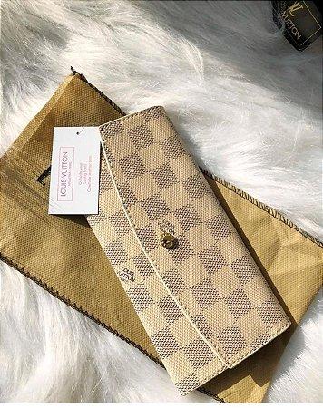 Carteira Louis Vuitton Damier Azur c/ botão (couro sintético)
