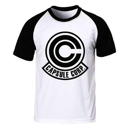 Camiseta Raglan Dragon Ball - Capsule Corp.