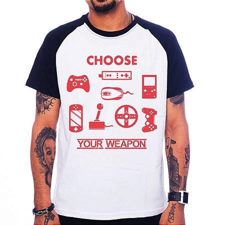 Camiseta Raglan Choose Your Weapon