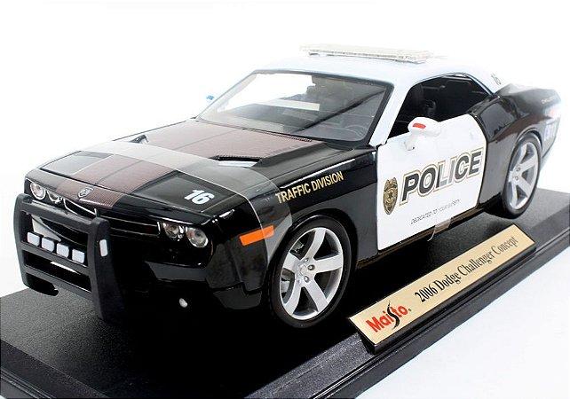 Carro Dodge Challenger Concept Traffic Division Police 2006 Premiere Edition 1:18 - Maisto