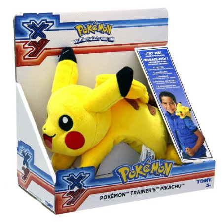 Pelúcia de Ombro Pokemón XY Treinador com Som - Pikachú